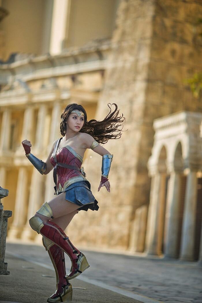 Cùng ngắm loạt ảnh cosplay xinh đẹp mà đầy khí chất về Wonder Woman Ảnh 9