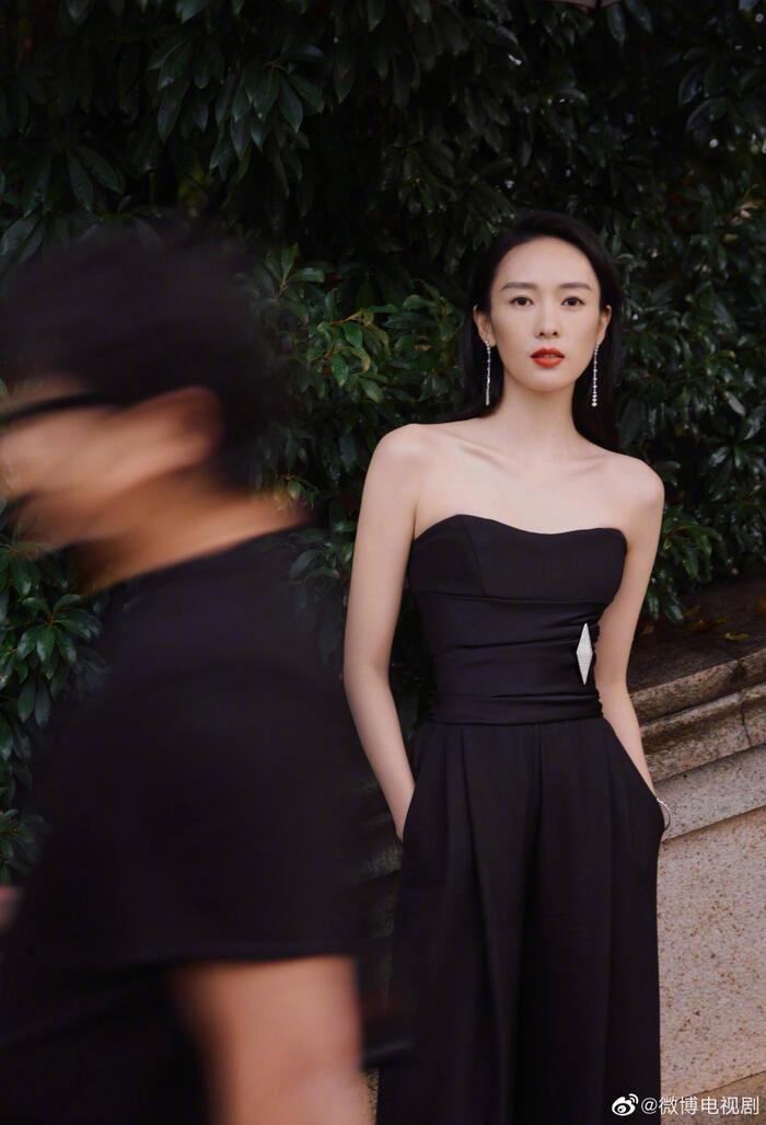 'Kim Ưng 2020': Cận cảnh nhan sắc của Quan Hiểu Đồng, Đàm Tùng Vận - Trương Tân Thành cùng loạt sao Cbiz Ảnh 14