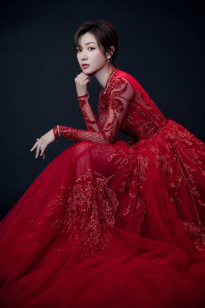'Kim Ưng 2020': Cận cảnh nhan sắc của Quan Hiểu Đồng, Đàm Tùng Vận - Trương Tân Thành cùng loạt sao Cbiz Ảnh 36