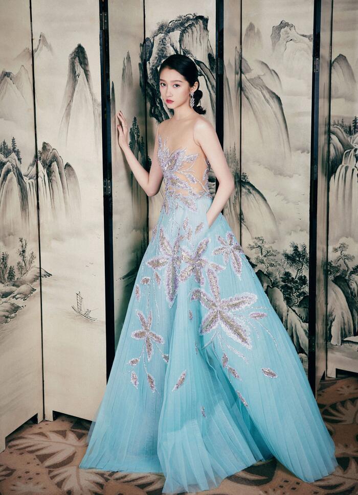 'Kim Ưng 2020': Cận cảnh nhan sắc của Quan Hiểu Đồng, Đàm Tùng Vận - Trương Tân Thành cùng loạt sao Cbiz Ảnh 8