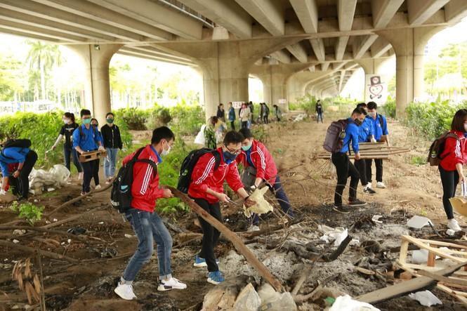 Chiến dịch 'World Cleanup Day 2020' tại Hà Nội Ảnh 4