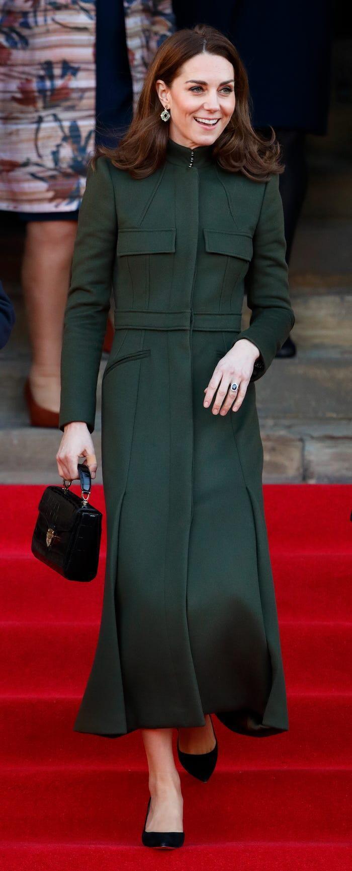 Thời trang áo khoác thanh lịch của công nương Kate Middleton Ảnh 4