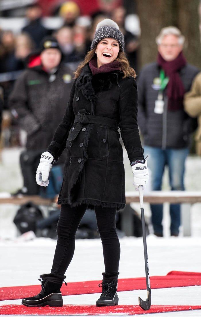 Thời trang áo khoác thanh lịch của công nương Kate Middleton Ảnh 16