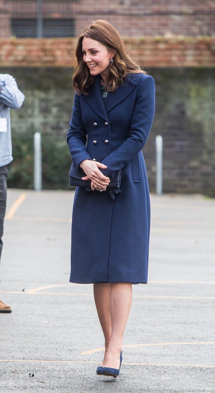 Thời trang áo khoác thanh lịch của công nương Kate Middleton Ảnh 20