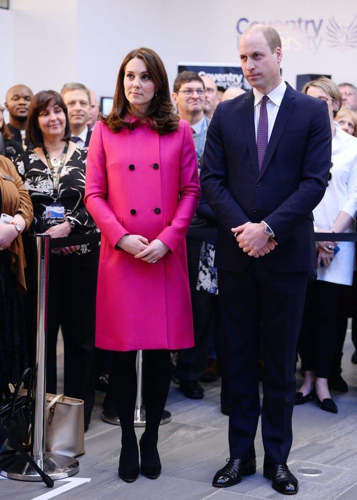 Thời trang áo khoác thanh lịch của công nương Kate Middleton Ảnh 19