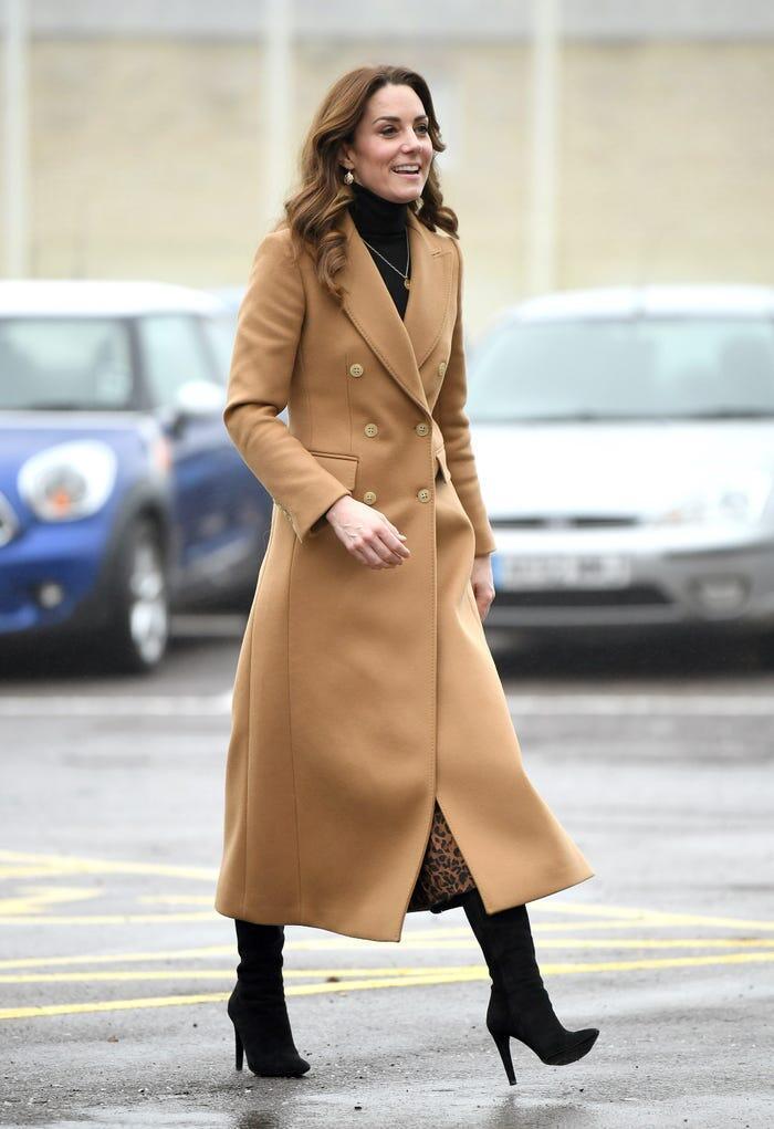 Thời trang áo khoác thanh lịch của công nương Kate Middleton Ảnh 3