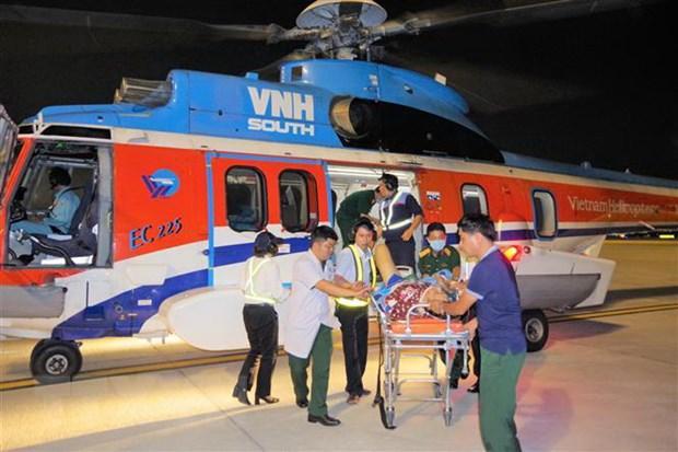 Thêm hai bệnh nhân được đưa từ Trường Sa về đất liền cấp cứu an toàn Ảnh 1