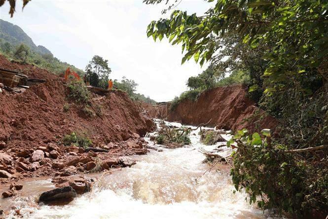 Giao thông Quảng Bình thiệt hại nặng do mưa lũ Ảnh 3