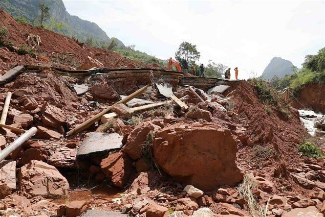 Giao thông Quảng Bình thiệt hại nặng do mưa lũ Ảnh 6