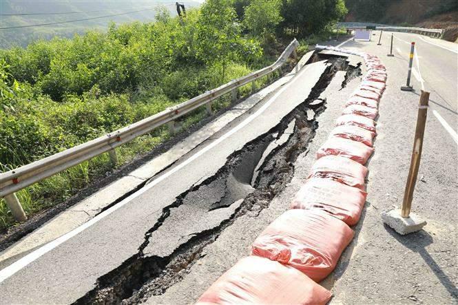 Giao thông Quảng Bình thiệt hại nặng do mưa lũ Ảnh 2