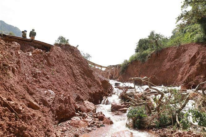 Giao thông Quảng Bình thiệt hại nặng do mưa lũ Ảnh 4