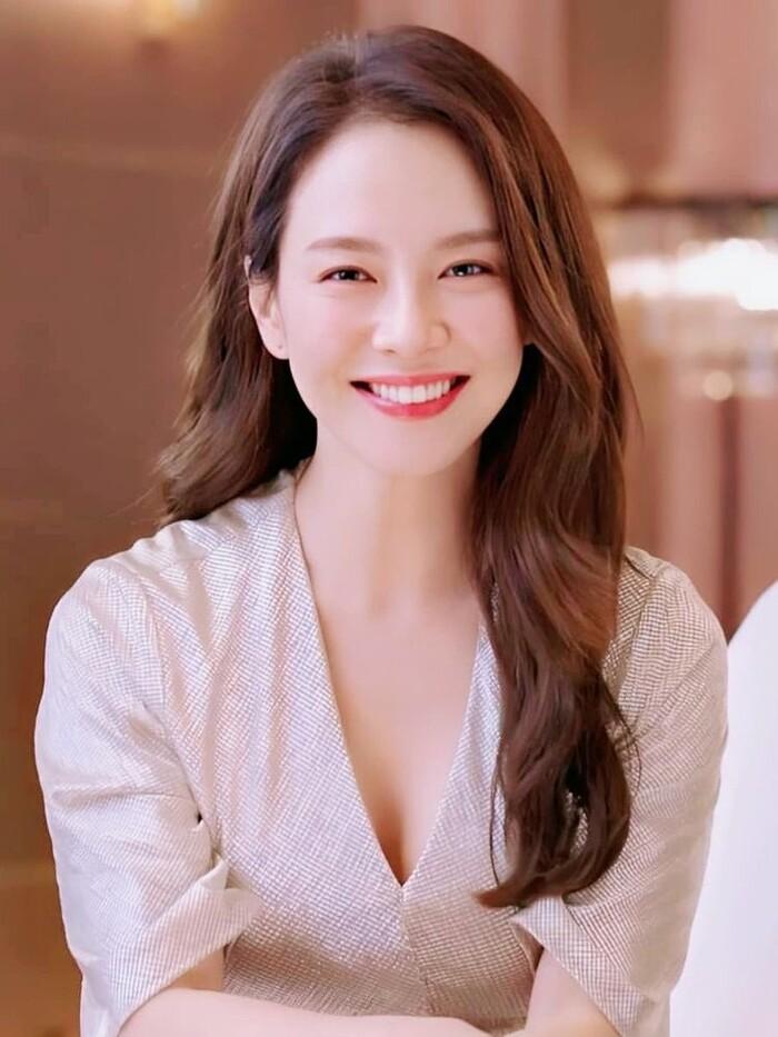 Top 50 gương mặt xinh gái nhất châu Á 2020 tháng 9: Sao Hàn áp đảo sao Hoa ngữ! Ảnh 13