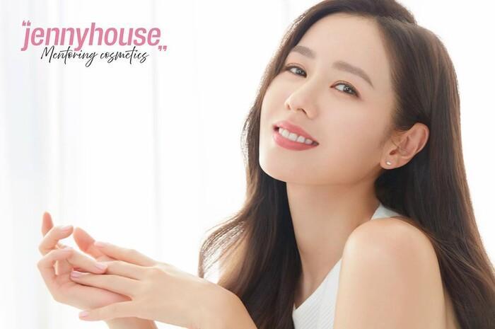 Top 50 gương mặt xinh gái nhất châu Á 2020 tháng 9: Sao Hàn áp đảo sao Hoa ngữ! Ảnh 19