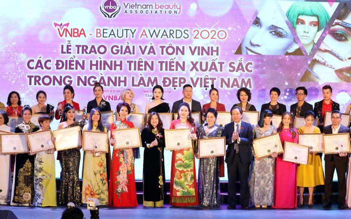 Trao giải và tôn vinh các điển hình xuất sắc trong ngành làm đẹp Việt Nam Ảnh 1