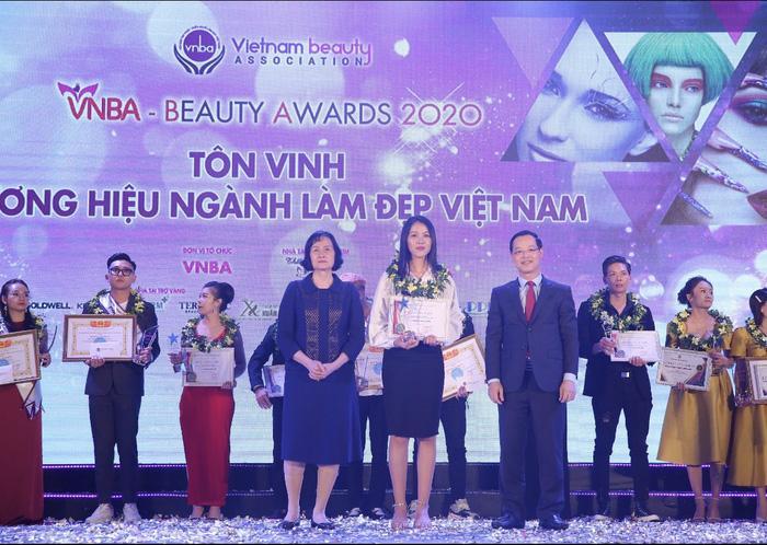 Trao giải và tôn vinh các điển hình xuất sắc trong ngành làm đẹp Việt Nam Ảnh 3