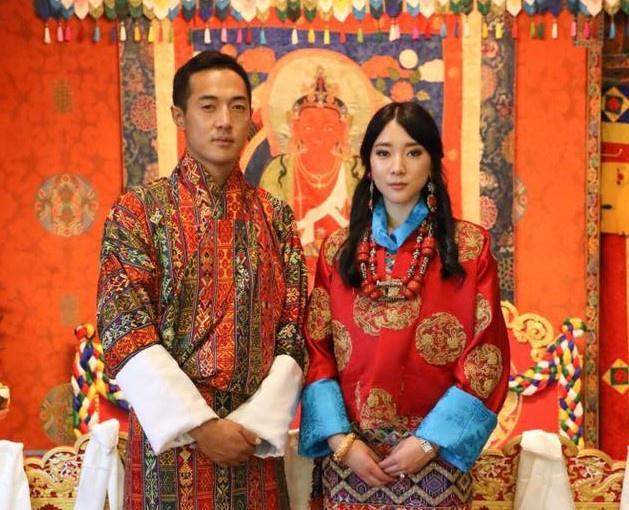 3 anh em Quốc vương Bhutan lấy 3 chị em cùng một nhà Ảnh 7
