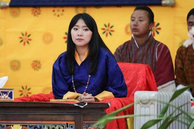 3 anh em Quốc vương Bhutan lấy 3 chị em cùng một nhà Ảnh 8