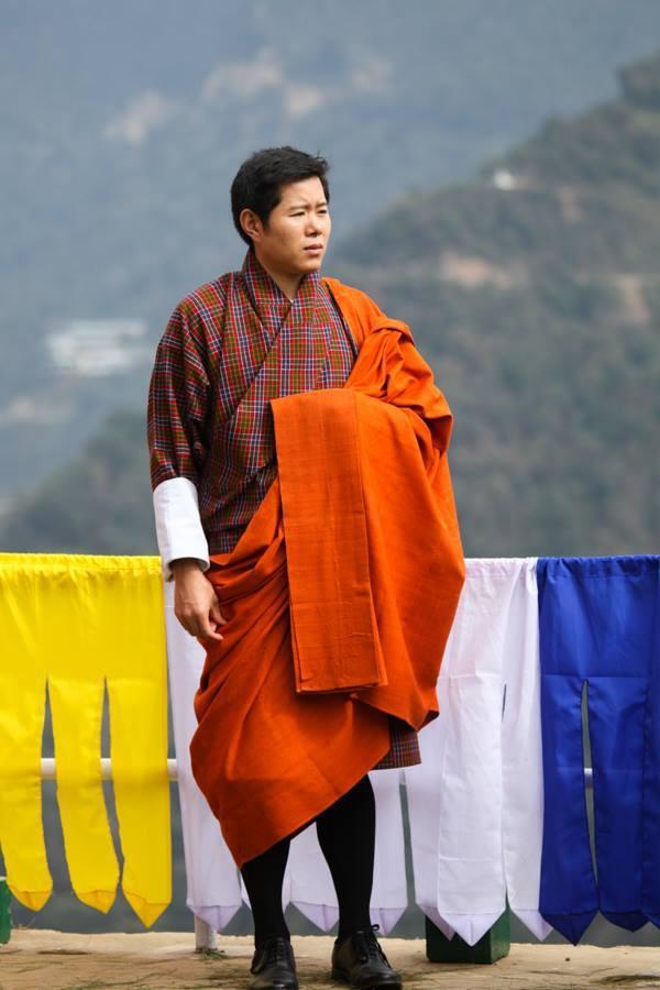 3 anh em Quốc vương Bhutan lấy 3 chị em cùng một nhà Ảnh 5