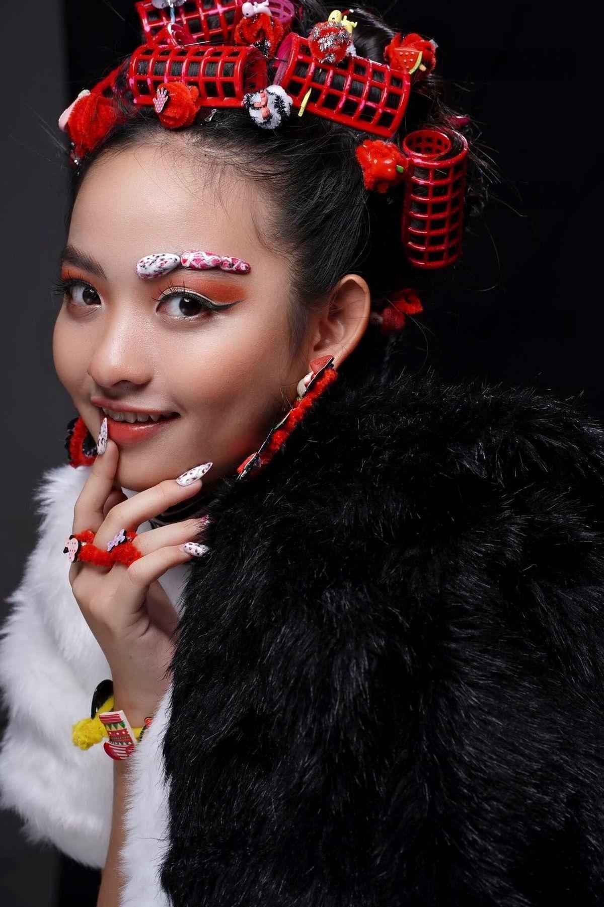 Mẫu nhí Nguyễn Ngọc Khánh Phương khoe thần thái 'đỉnh cao' trong bộ ảnh mới Ảnh 1