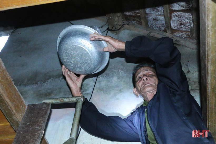 'Nhật ký chạy lũ' của vợ chồng ông lão ngoài 80 tuổi ở Hà Tĩnh Ảnh 5
