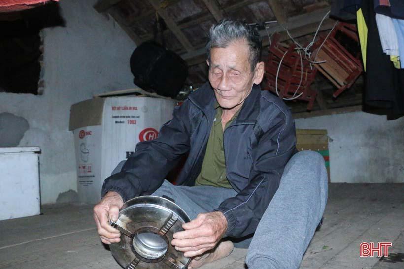 'Nhật ký chạy lũ' của vợ chồng ông lão ngoài 80 tuổi ở Hà Tĩnh Ảnh 13