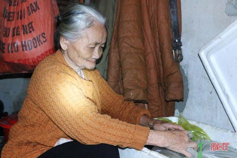 'Nhật ký chạy lũ' của vợ chồng ông lão ngoài 80 tuổi ở Hà Tĩnh Ảnh 7