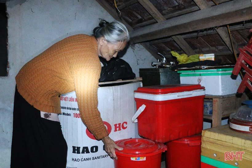 'Nhật ký chạy lũ' của vợ chồng ông lão ngoài 80 tuổi ở Hà Tĩnh Ảnh 11