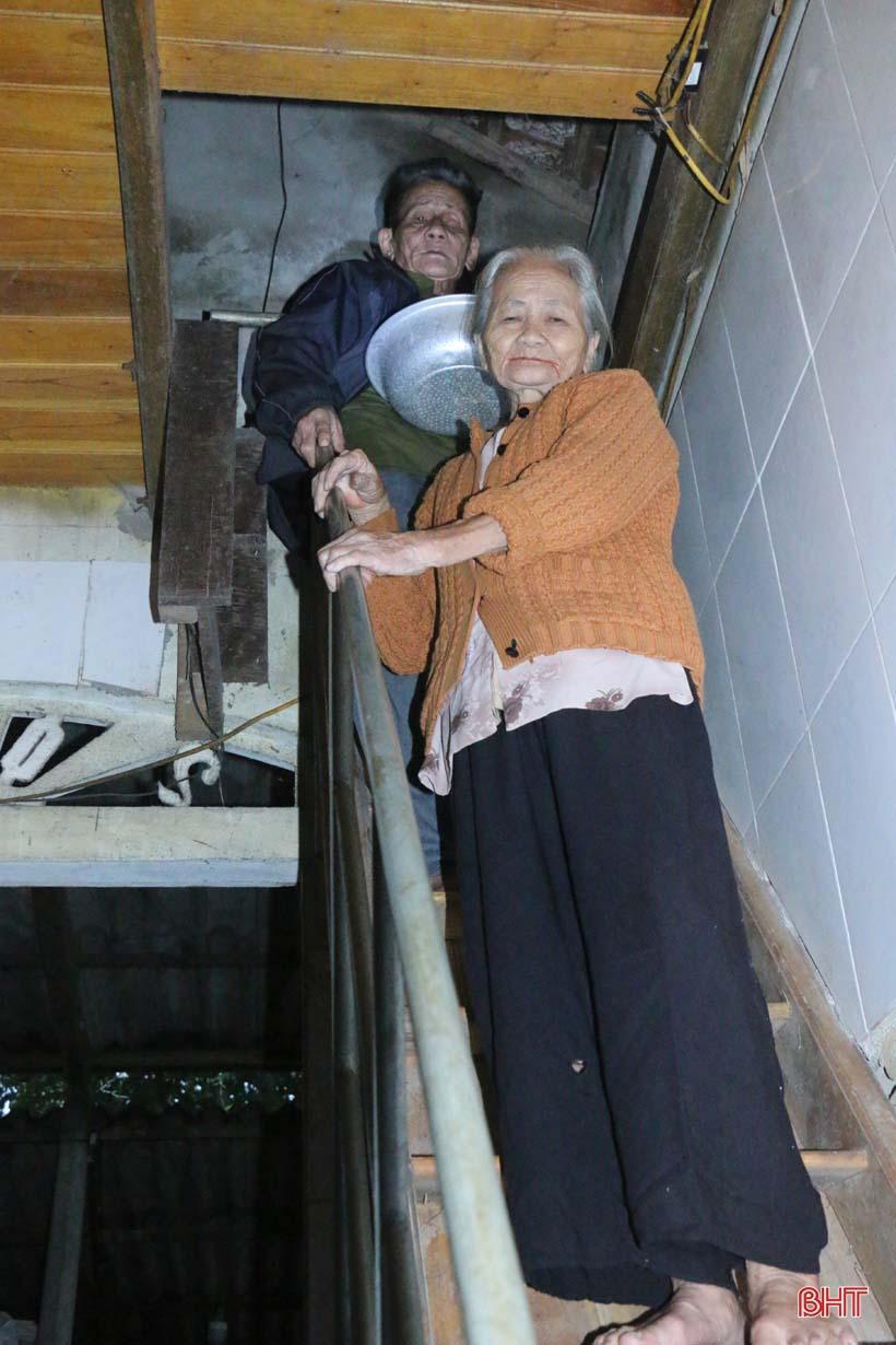 'Nhật ký chạy lũ' của vợ chồng ông lão ngoài 80 tuổi ở Hà Tĩnh Ảnh 17