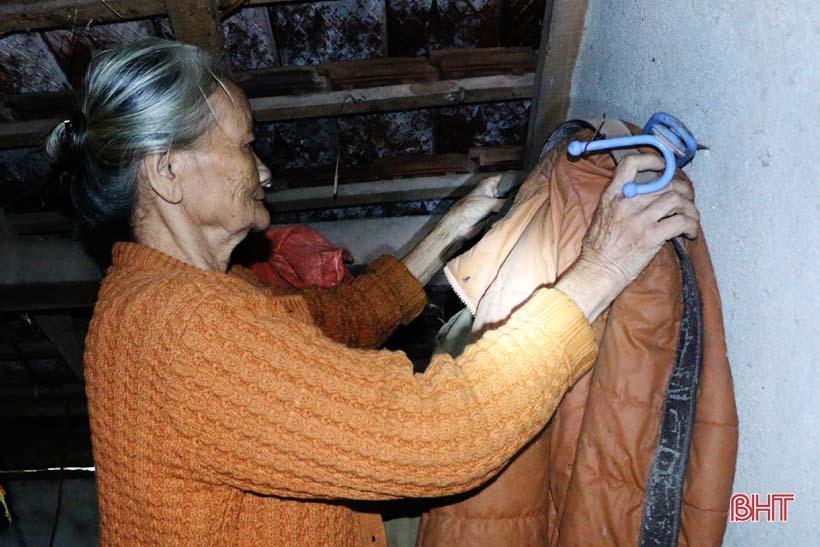 'Nhật ký chạy lũ' của vợ chồng ông lão ngoài 80 tuổi ở Hà Tĩnh Ảnh 10