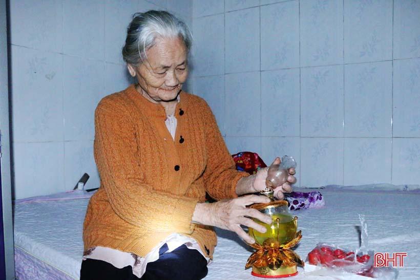 'Nhật ký chạy lũ' của vợ chồng ông lão ngoài 80 tuổi ở Hà Tĩnh Ảnh 15