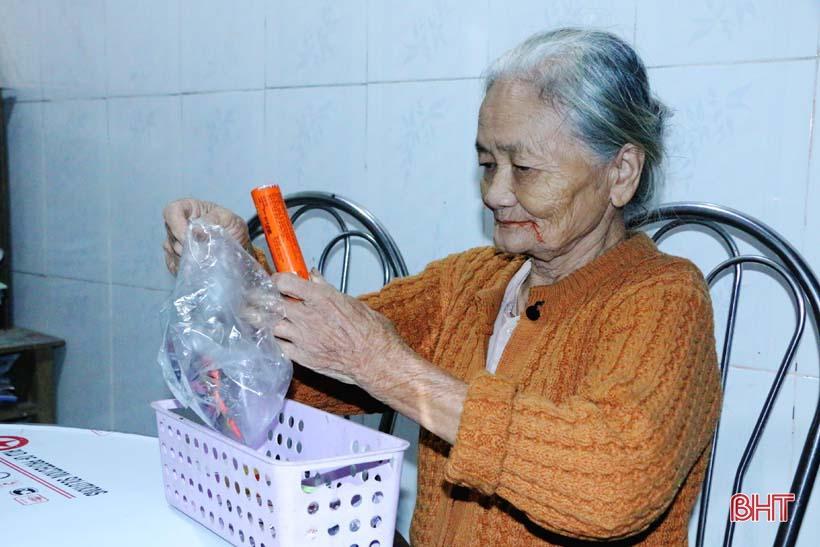 'Nhật ký chạy lũ' của vợ chồng ông lão ngoài 80 tuổi ở Hà Tĩnh Ảnh 1