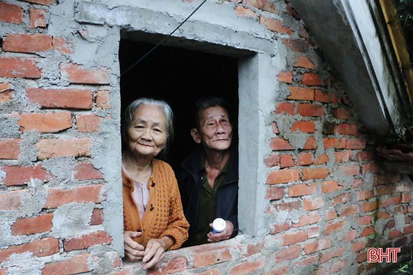 'Nhật ký chạy lũ' của vợ chồng ông lão ngoài 80 tuổi ở Hà Tĩnh Ảnh 12