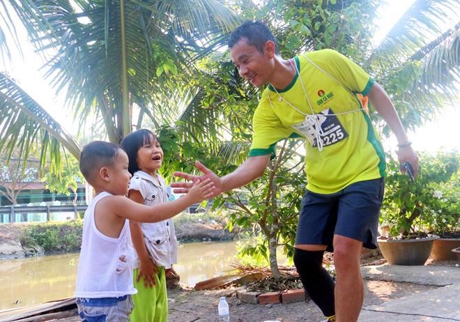 6.500 VĐV tham gia Giải Mekong Delta Marathon Hậu Giang năm 2020 Ảnh 2