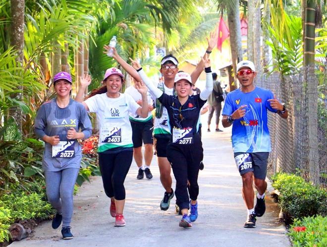 6.500 VĐV tham gia Giải Mekong Delta Marathon Hậu Giang năm 2020 Ảnh 1