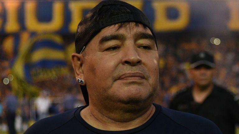Huyền thoại bóng đá Maradona vừa phẫu thuật thành công cục máu đông trong não Ảnh 1