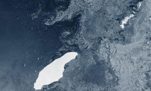 Tảng băng trôi lớn nhất thế giới có thể đâm vào hòn đảo thuộc Anh Ảnh 1