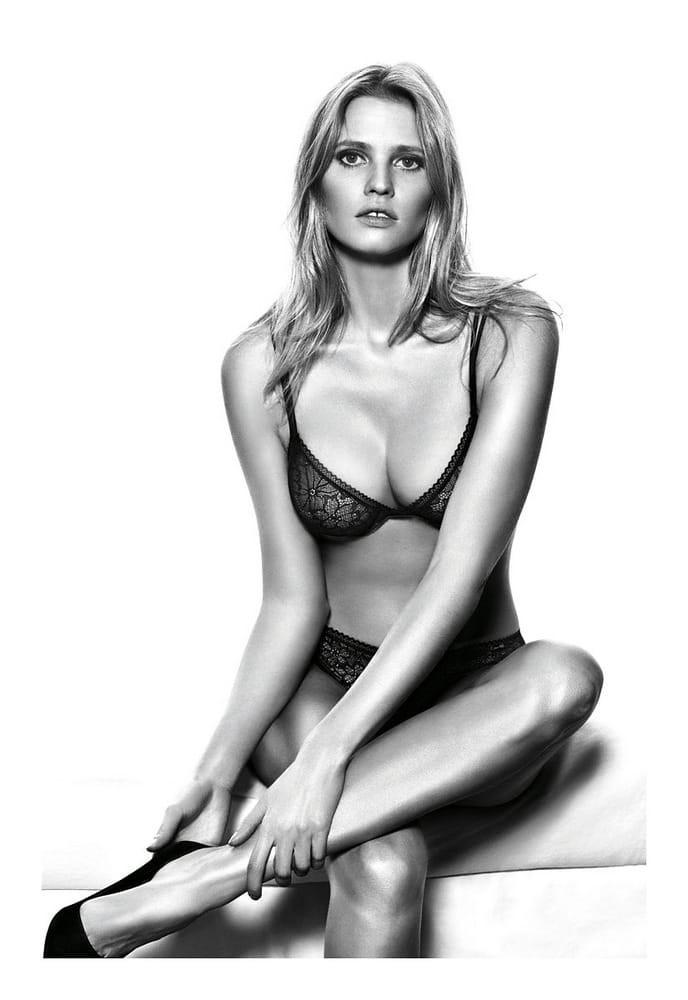 'Siêu mẫu nội y nóng bỏng nhất thế giới' khoe sắc vóc gợi cảm hút hồn trên tạp chí Ảnh 8