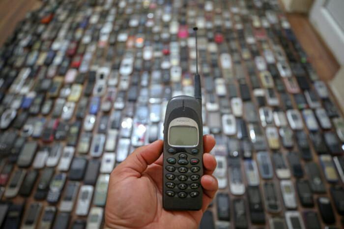 Người đàn ông dành 20 năm sưu tập hàng nghìn chiếc điện thoại cổ Ảnh 6
