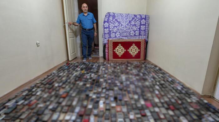 Người đàn ông dành 20 năm sưu tập hàng nghìn chiếc điện thoại cổ Ảnh 1