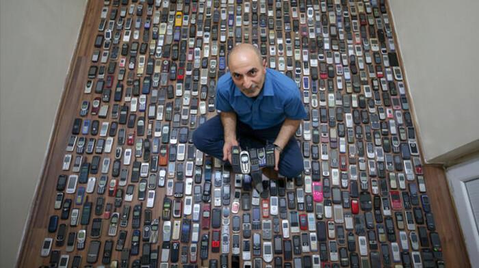 Người đàn ông dành 20 năm sưu tập hàng nghìn chiếc điện thoại cổ Ảnh 3
