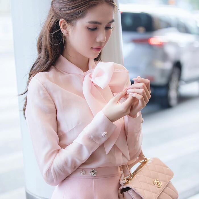 Ngọc Trinh hóa tiểu thư ngọt ngào với chiếc váy hồng ngọt, không cần rượu fan cũng tự khắc say Ảnh 2