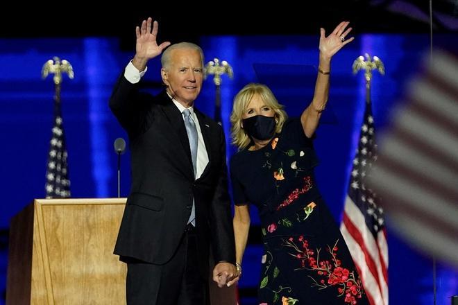 Bà Jill Biden giúp váy 5.690 USD cháy hàng Ảnh 1