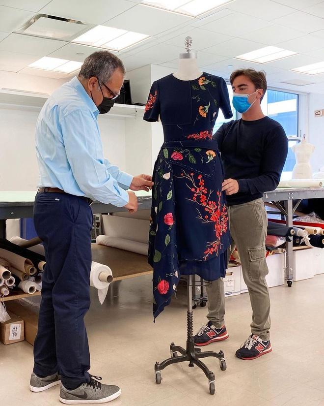 Bà Jill Biden giúp váy 5.690 USD cháy hàng Ảnh 2
