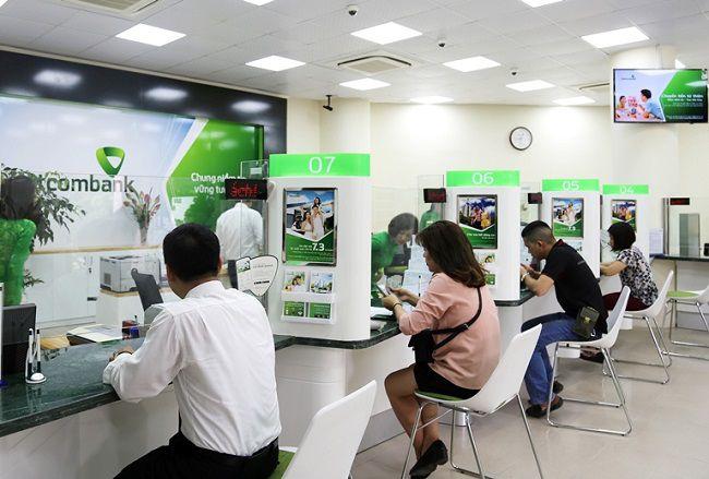 Giảm lãi suất 1% cho khách hàng tại 10 tỉnh miền Trung bị ảnh hưởng bởi lũ lụt Ảnh 1