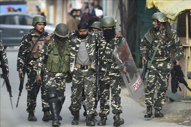 Đụng độ giữa quân đội Ấn Độ và Pakistan tại khu vực Kashmir Ảnh 1