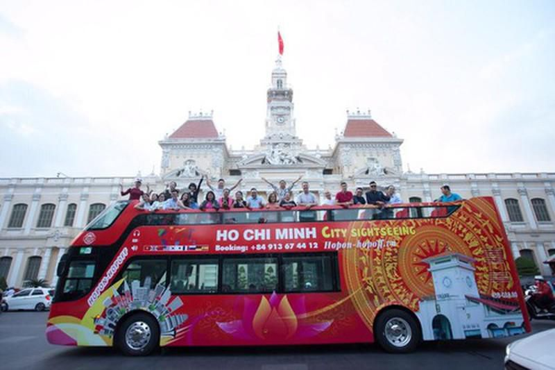 Ngày 20-11, giáo viên được đi xe buýt mui trần miễn phí Ảnh 2