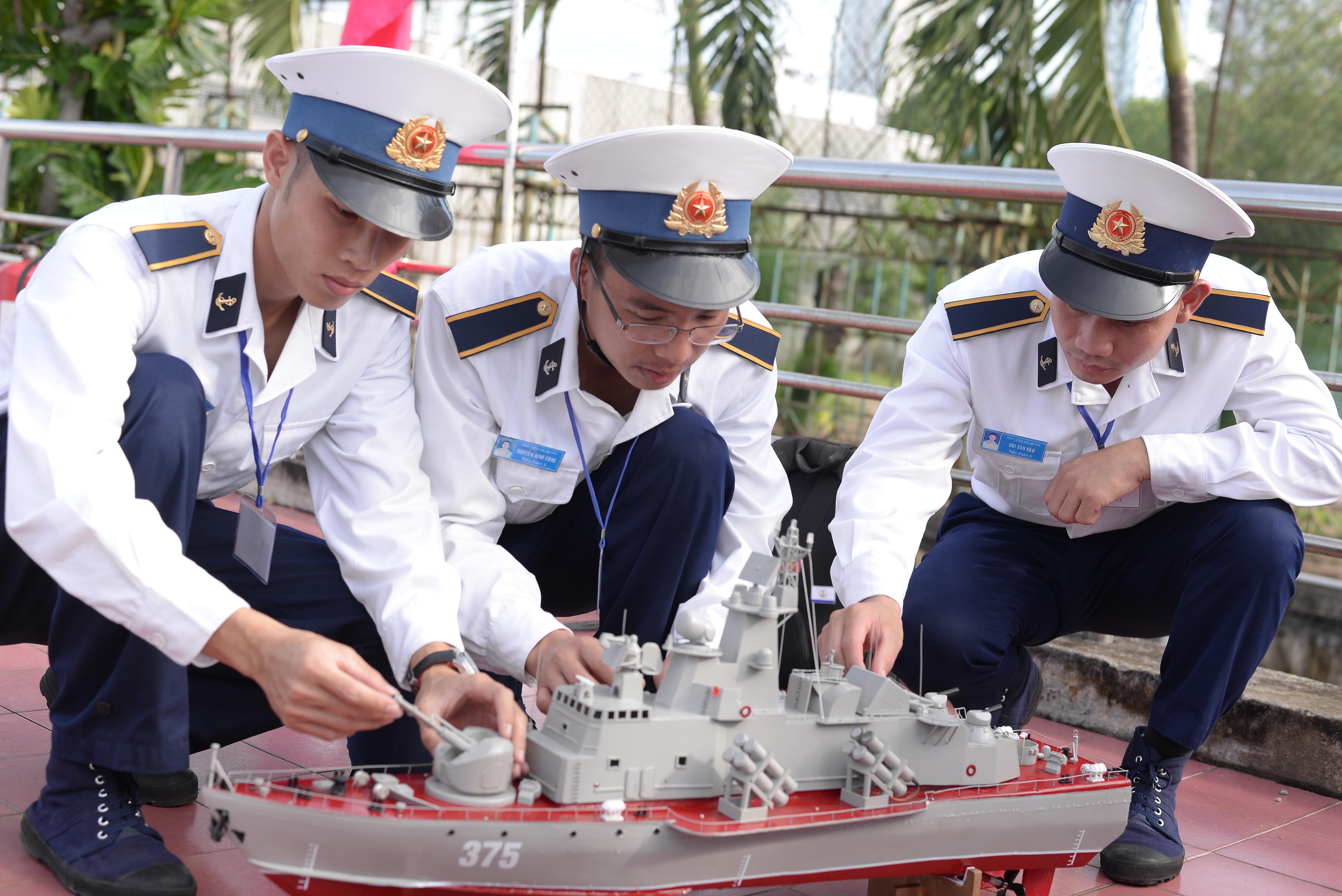 Học viện Hải quân tổ chức cuộc thi 'Sáng tạo mô hình tàu chiến đấu' năm 2020 Ảnh 2