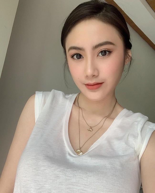 'Hot girl Lào' sang chảnh và xinh đẹp sau 4 năm nổi tiếng Ảnh 15