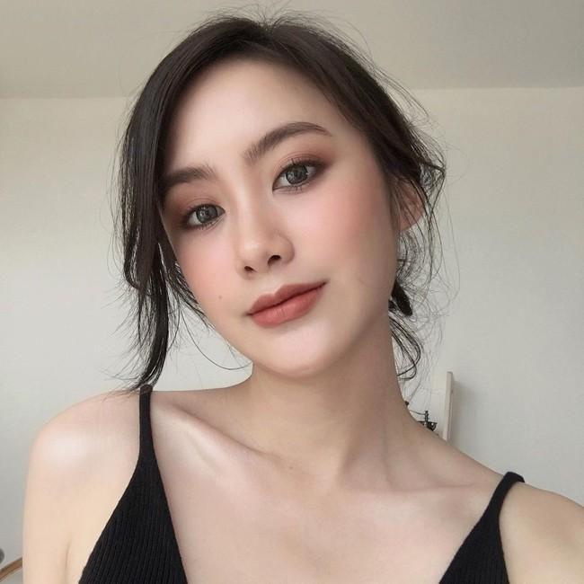 'Hot girl Lào' sang chảnh và xinh đẹp sau 4 năm nổi tiếng Ảnh 9