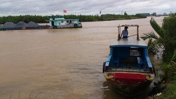 Hai tuyến kênh phía Nam cấm tàu thuyền lưu thông dài ngày Ảnh 1